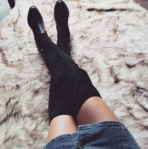 🆕️//The Sky// black over the knee boots